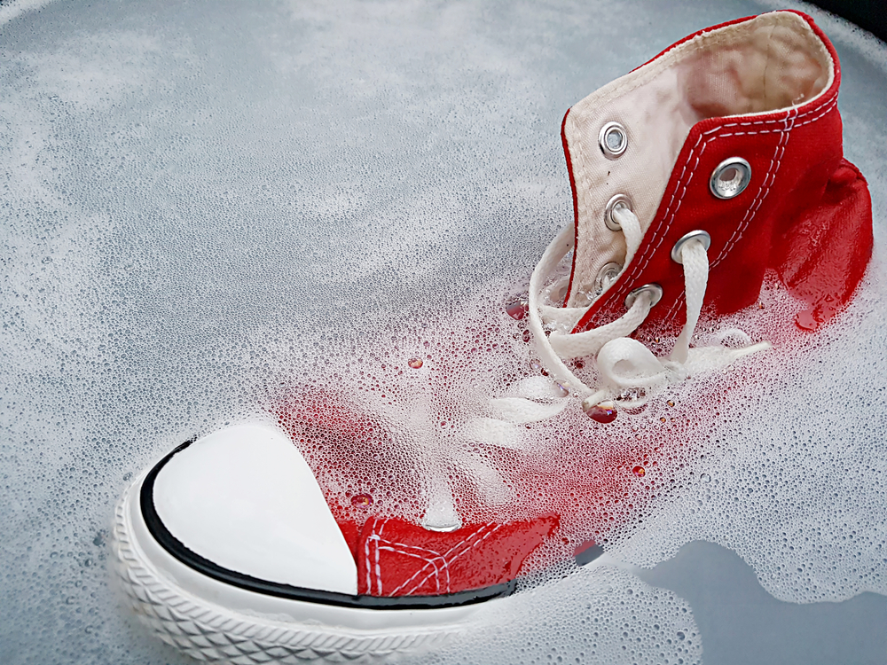 how-to-clean-canvas-shoes-by-hand
